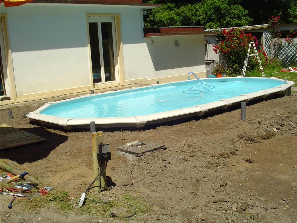 Voir Piscine Hors Sol piscine hors sol 91 enterrée avec polyester armé precom